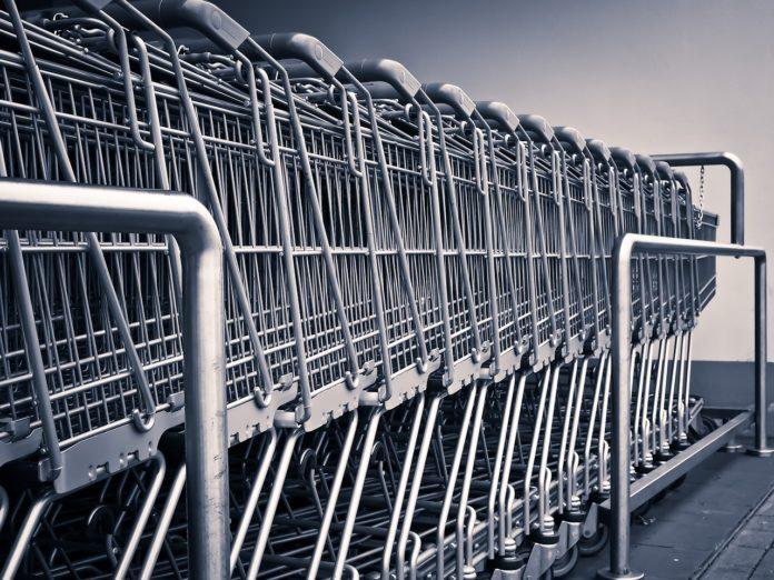 Jak nie dać się nabrać na manipulacje cenowe sklepów i supermarketów?